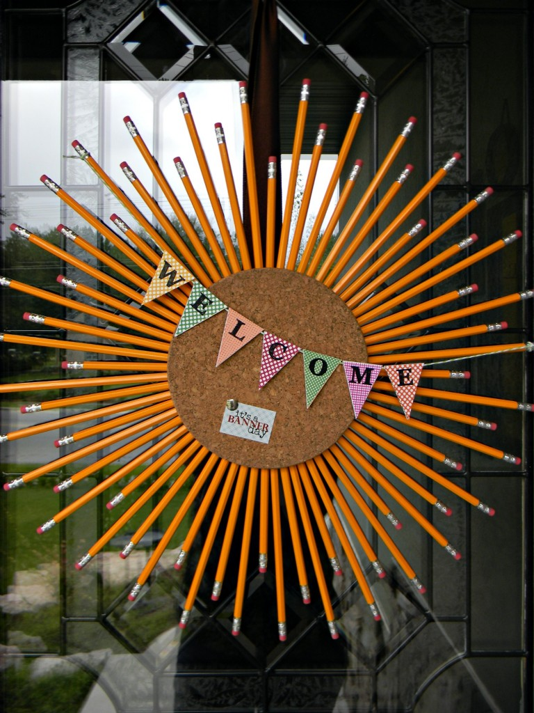 Back to school wreaths and door decorations for Back to school board decoration