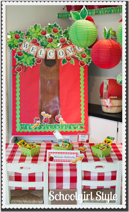 Fall bulletin board display ideas for Apple tree classroom decoration