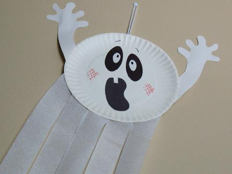 Halloween Toilet Paper Roll Crafts. Save those paper rolls since you can create so many different fun Halloween crafts with them! Don't let the ideas stop here – you can also make a ghost, bat, cat and witch. This paper roll Halloween craft is a breeze to make and is so fun to put together. We love how each paper roll has a different.