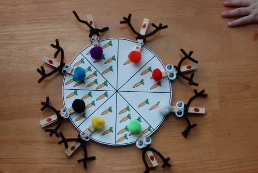clothespin wheel ideas for christmas via playing with words 365