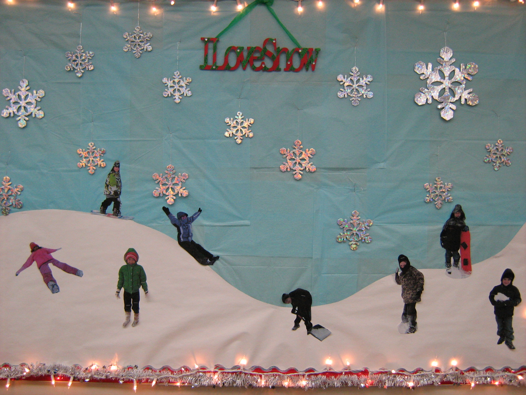 Kindergarten Winter Bulletin Board Ideas I love snow via miss g's