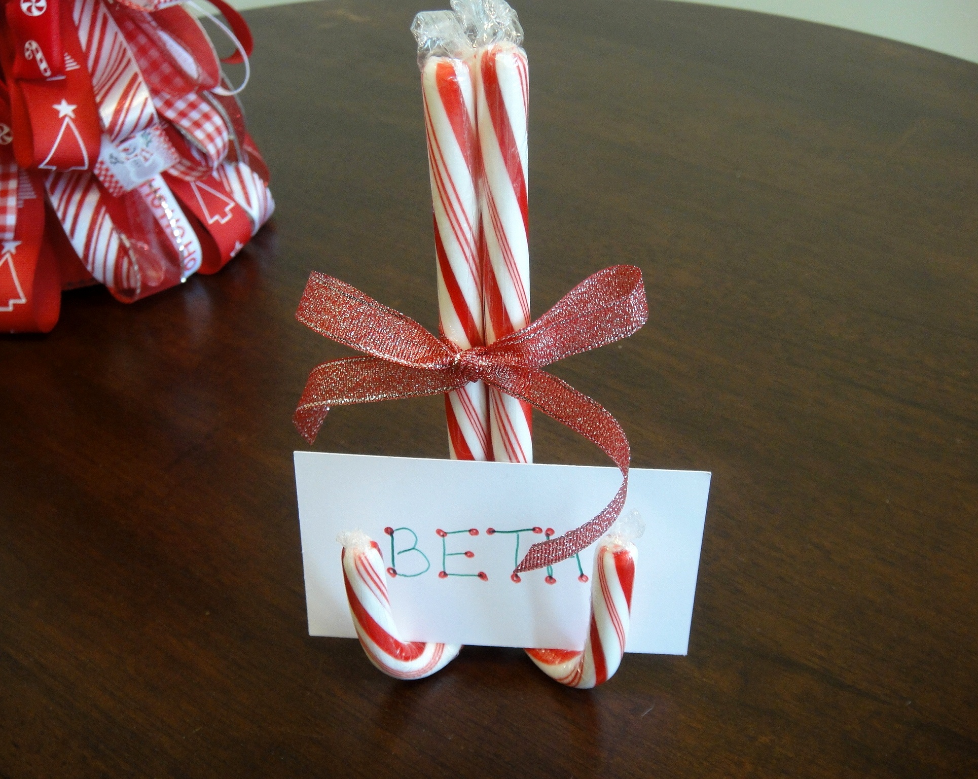Candy cane craft ideas for kids for Christmas card holder craft project