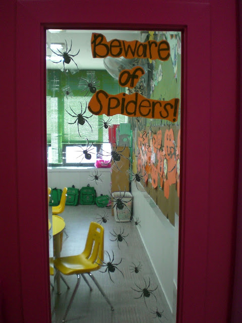 Classroom Halloween Decorations To Make : Halloween classroom door decorations